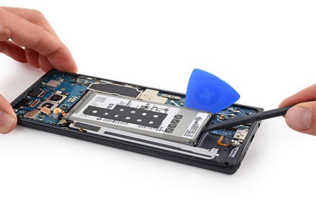 Cách tự thay pin Samsung Galaxy Note 8 đơn giản