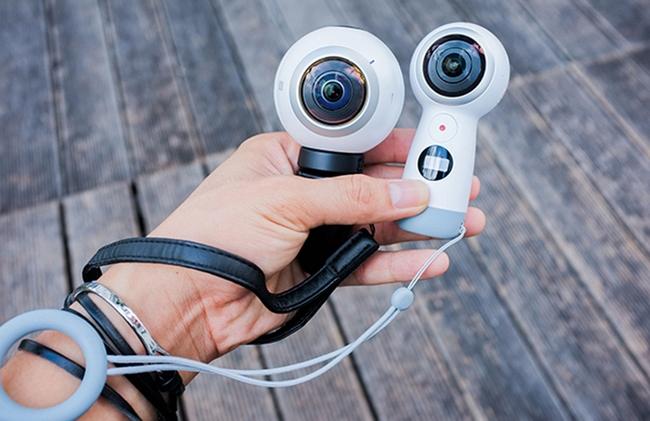 Camera Samsung Gear 360 thiết kế nhỏ gọn, độc đáo