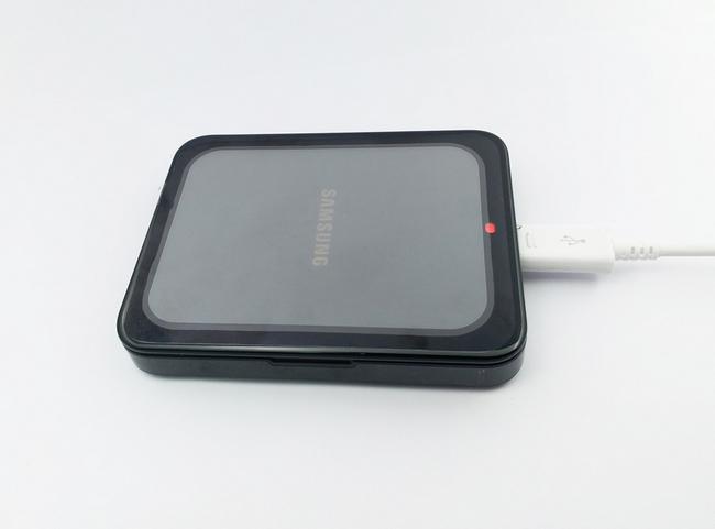 Dock sạc pin rời Galaxy J5 chính hãng màu đen