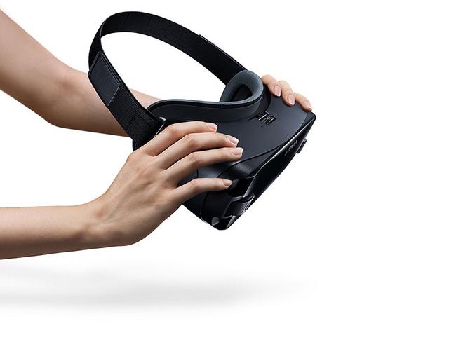Kính thực tế ảo Samsung Gear VR - R325