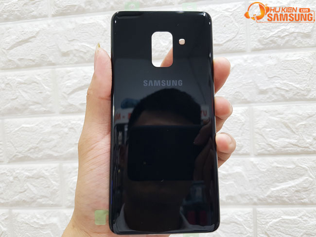 Tahy nắp lưng Galaxy A 8 2018 chính hãng samsung giá bao nhiêu