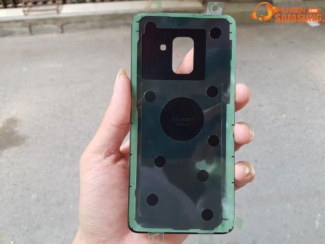 tahy nắp lưng Galaxy A8 2018 chính hãng samsung lấy ngay giá rẻ tại Hà Nội