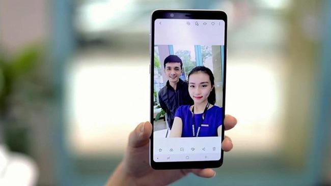 công nghệ smart beauty trên Galaxy A8 Star giúp ảnh đẹp hơn