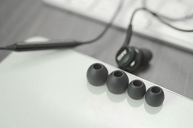 tai nghe akg Samsung S21 Ultra zin