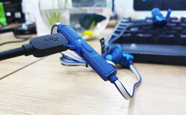 Tai nghe bluetooth JBL-T280BT sạc micro USB