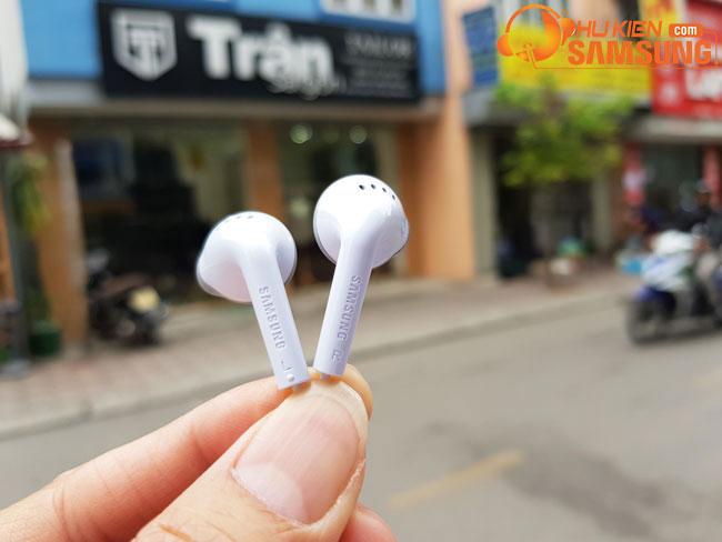 Tai nghe Samsung Galaxy J4 chính hãng