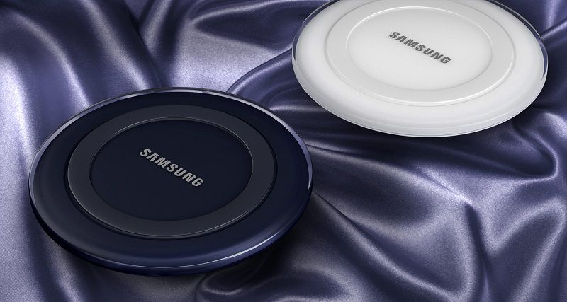 Đế sạc không dây Galaxy S6 với 2 màu đen và trắng